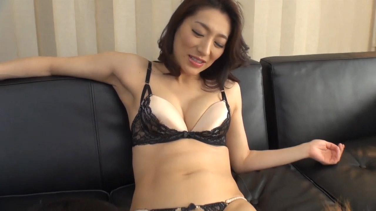 【無修正】43歳の2穴プレイ、熟女のアナル・膣が同時に完全破壊される!!