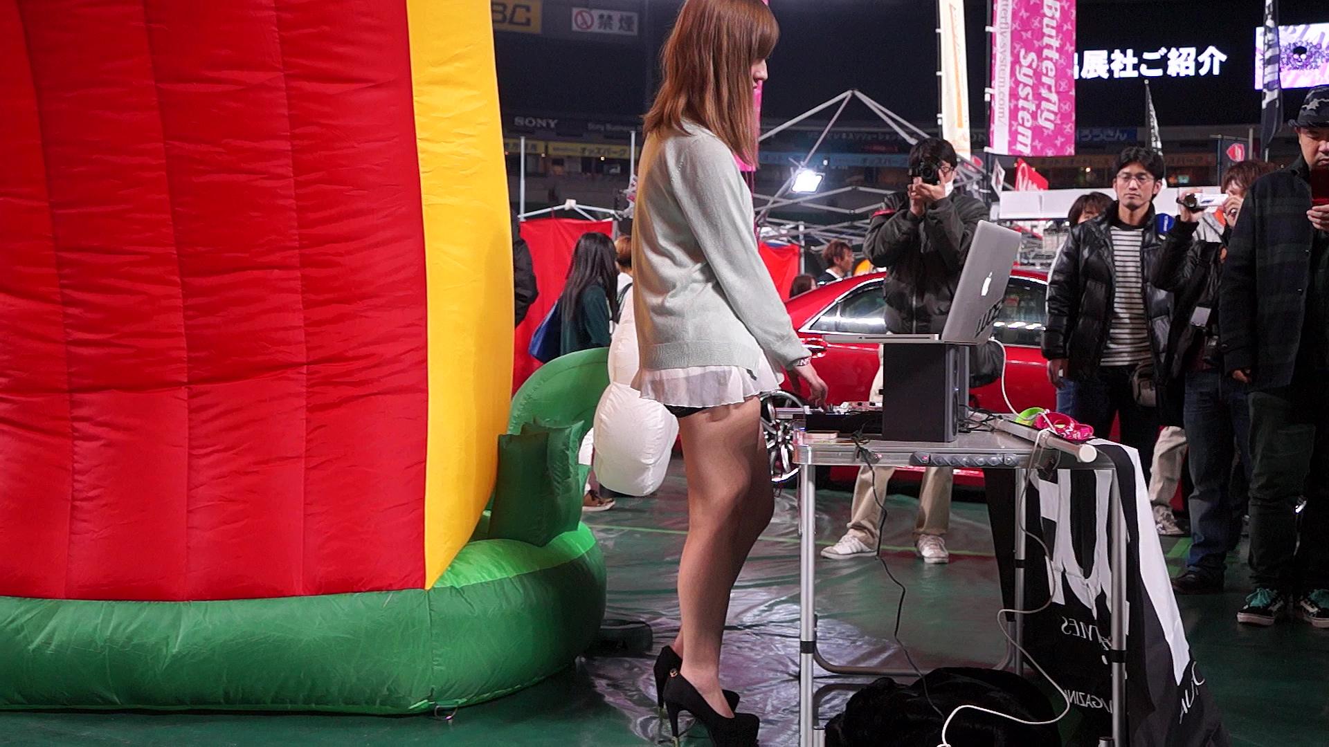 [コンパニオンシリーズ]DJのお姉さん