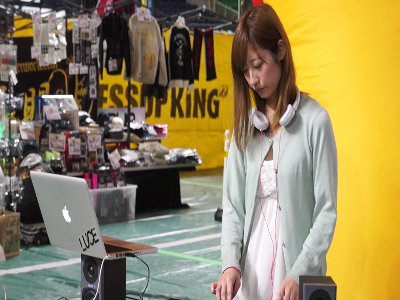 [コンパニオンシリーズ]DJのお姉さん…