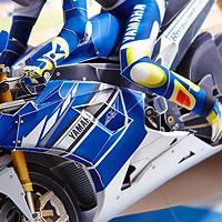 夢のレーシングバイクマシーンYZR-M1:2013年モデルを組み立てよう!