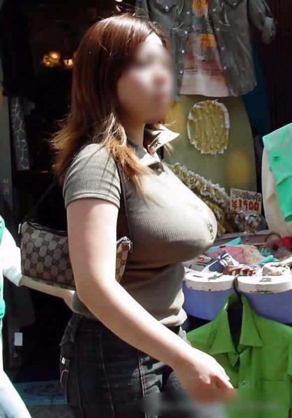 着衣巨乳集+胸チラ集 1138枚(ZIPファイ…